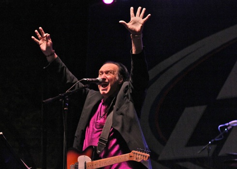 Dave Davies at Taste of Lincoln Avenue, Chicago, IL. July 27, 2013. Photo by Jeff Elbel.