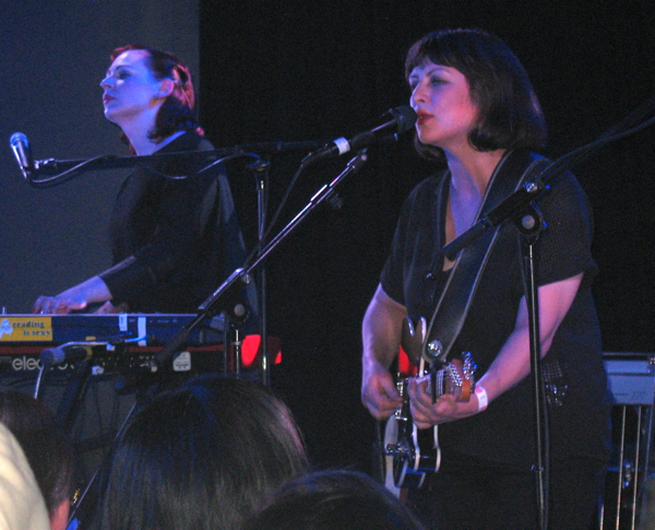 Camera Obscura's Carey Lander & Tracyanne Campbell @ Le Poisson Rouge