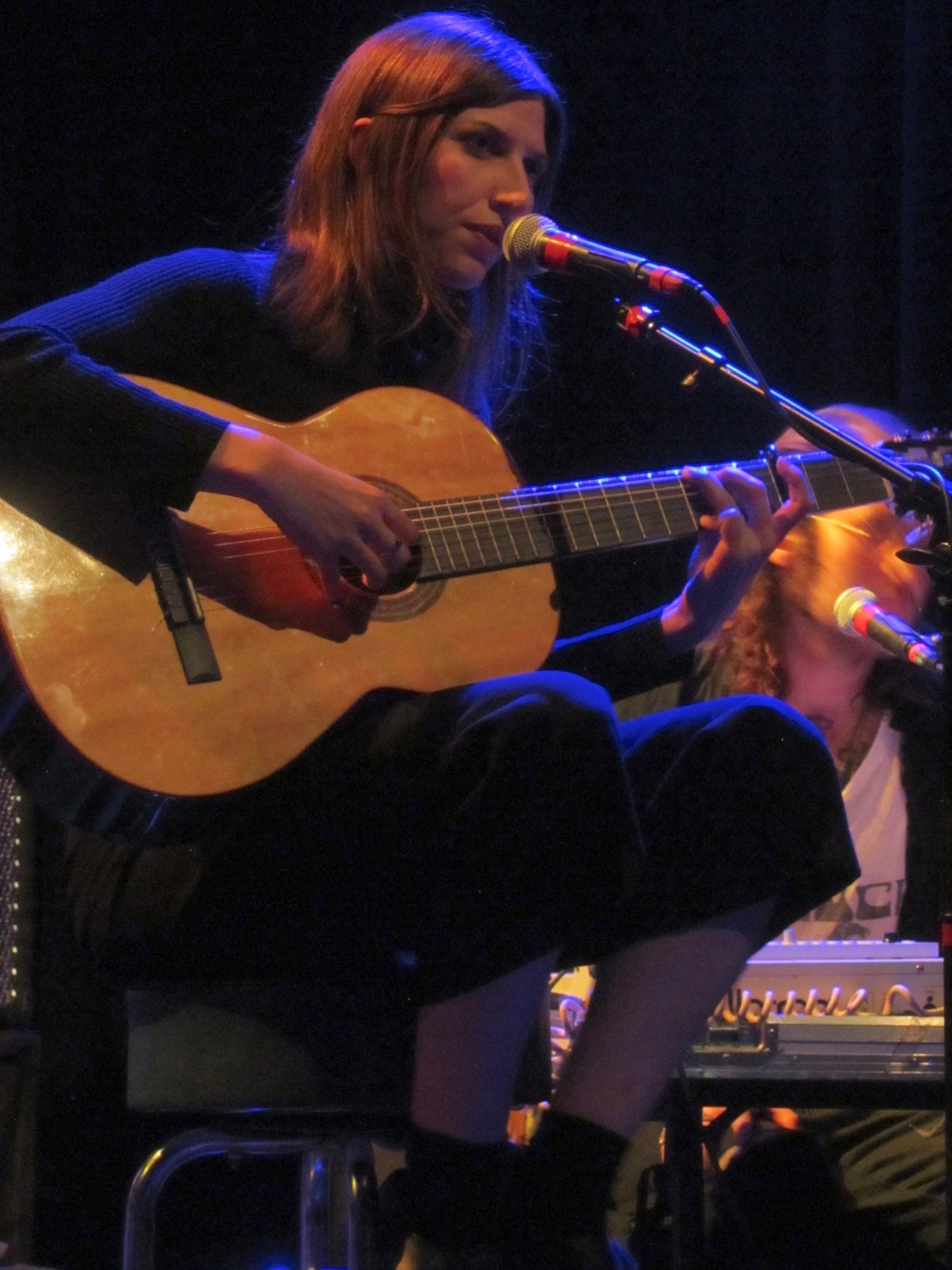 Aldous Harding live by James Broscheid