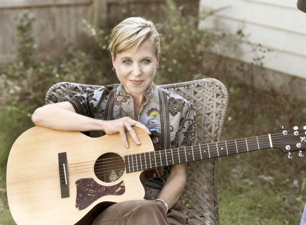 Kristin Hersh photo credit Peter Mellekas