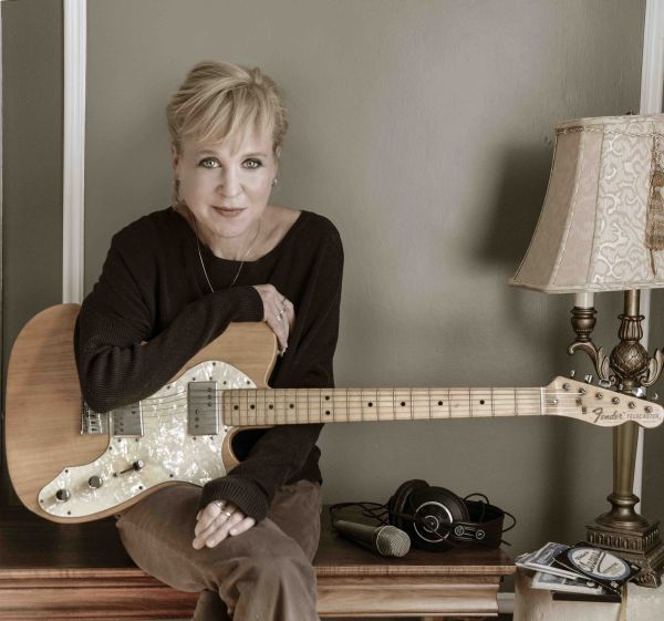 Kristin Hersh  - photo credit Peter Mellekas
