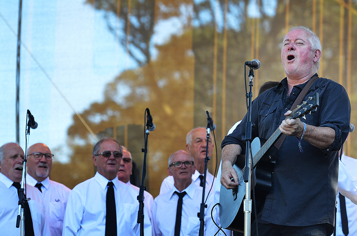 Jon Langford and The Skull Orchard Welsh Male Voice Choir