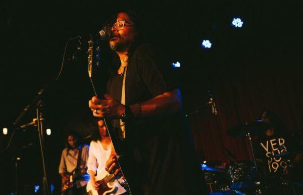 Versus - live - Photo Credit: Chris Sikich
